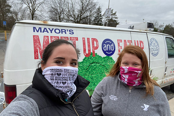 volunteers at Farmington meal pickup site